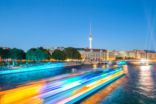 Berlin Dynamic Spree Skyline