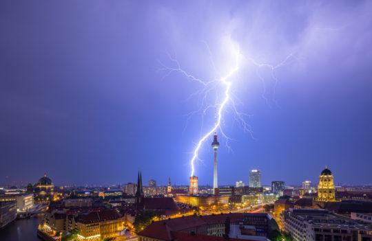 Berlin Gewitter Blitz Skyline